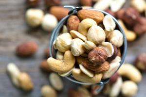 Ambachtelijke noten en zuidvruchten